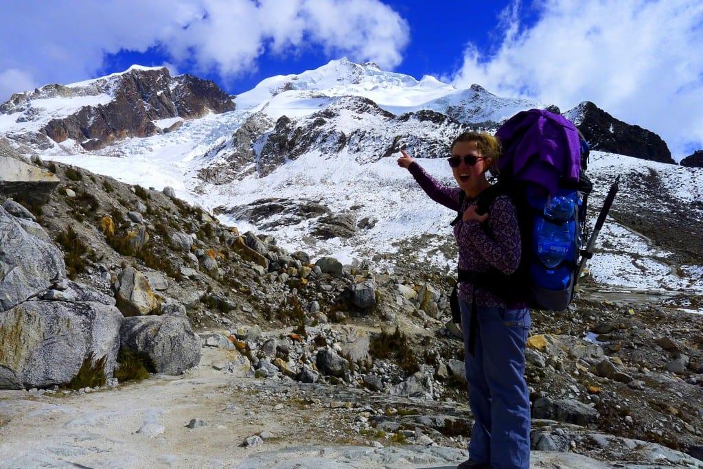 Med stor sekk på vei opp Huayna Potosi i Bolivia