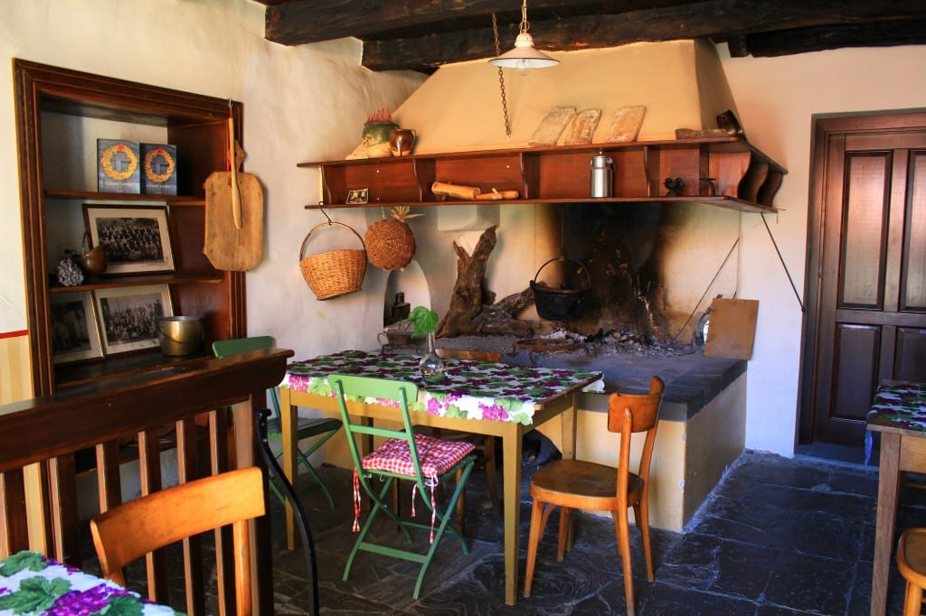 Inne i det eldgamle huset hvor House of Culture befinner seg, og Tatjana jobber