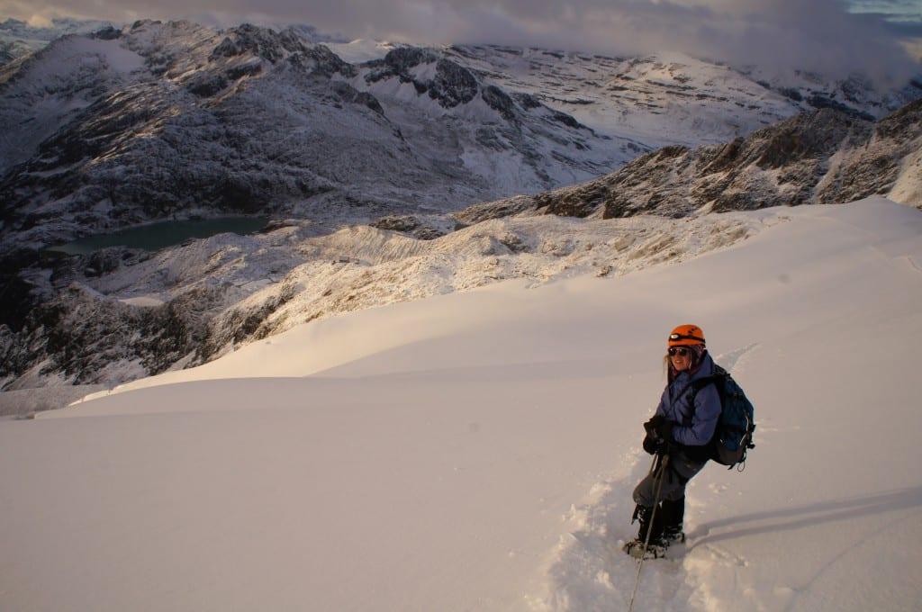 På vei ned fra det 6,088 meter høye fjellet Huayna Potosi i Bolivia